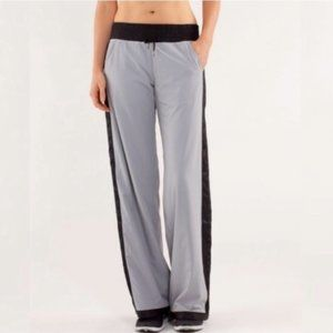LULULEMON • Run Right Round Pant in Silver Slate